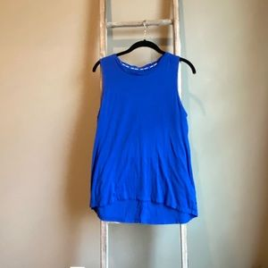 DKNY muscle tee size M